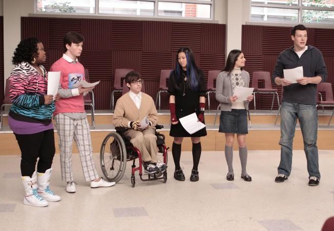 Una scena di gruppo dell'episodio Showmance di Glee