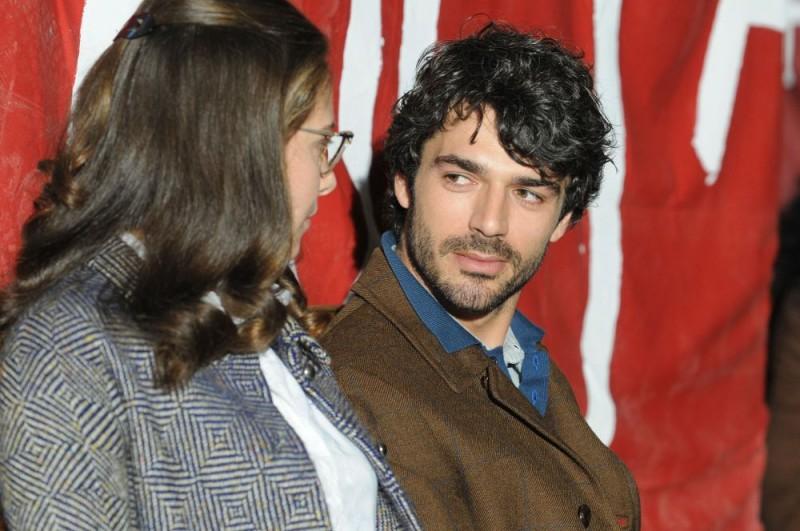 Jasmine Trinca e Luca Argentero in una scena del film Il grande sogno di Michele Placido