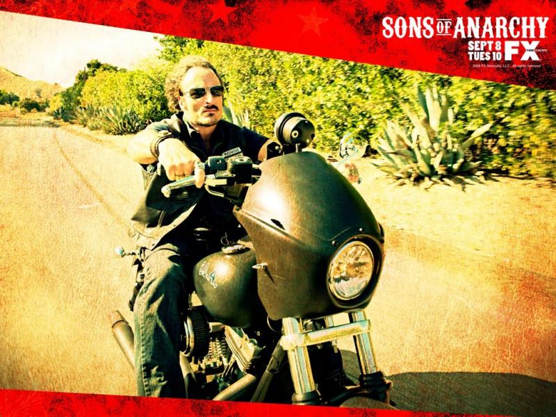Uno dei poster promozionali della stagione 2 di Sons of Anarchy