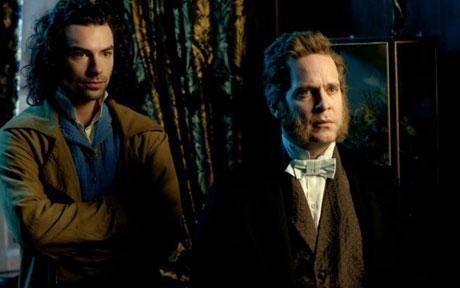 Aidan Turner e Tom Hollander in una scena di Desperate Romantics