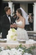 Eliza Dushku e Jamie Bamber in una scena dell'episodio Vows di Dollhouse