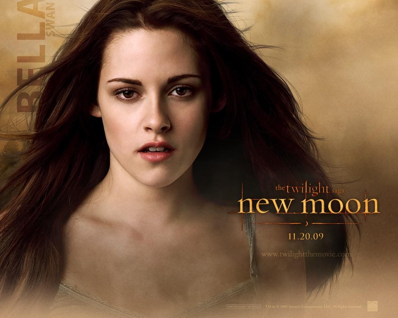 Un wallpaper ufficiale dedicato al personaggio di Bella Swan (Kristen Stewart) per il film Twilight Saga: New Moon