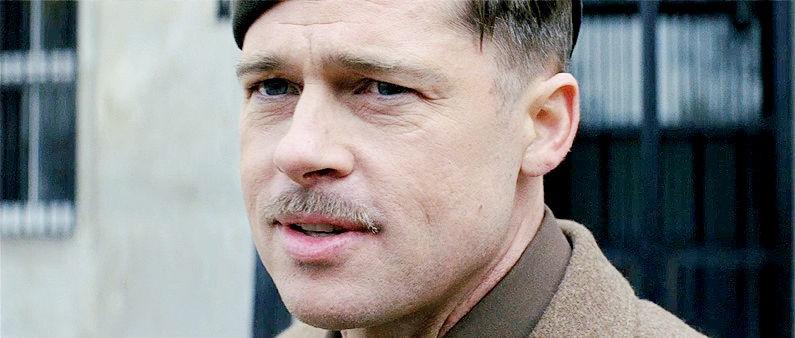 Brad Pitt in una scena del film Bastardi senza gloria