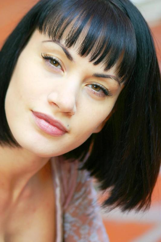 Crisula stafida l 39 attrice nata il 16 novembre 1981 sotto il segno dello scorpione foto - Diva futura film ...
