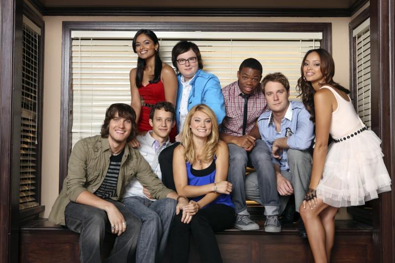 Il cast di Greek - La confraternita in una immagine promozionale della stagione 3