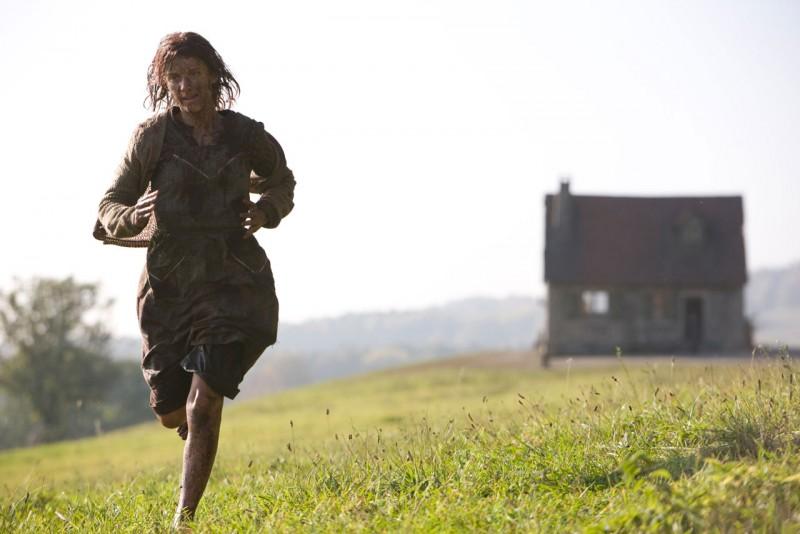 Mélanie Laurent in una scena del war movie Bastardi senza gloria