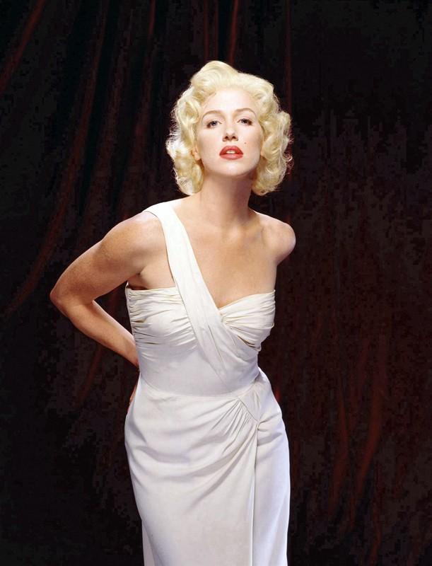 Una foto promo di Poppy Montgomery in stile 'Marilyn Monroe'