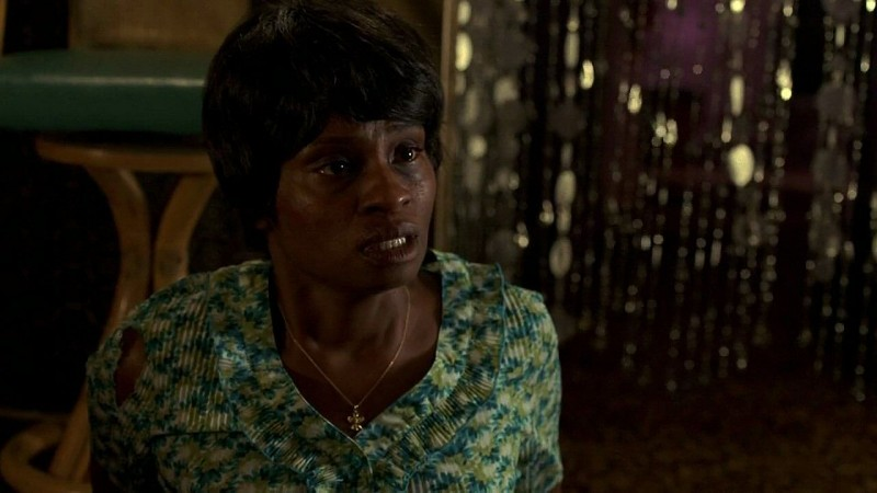 Adina Porter in una scena dell'episodio 'New World In My View' della serie True Blood