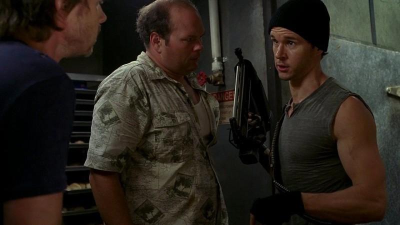 Andy Bellefleur (Chris Bauer) e Jason Stackhouse (Ryan Kwanten) in una scena dell'episodio 'New World In My View' della serie True Blood