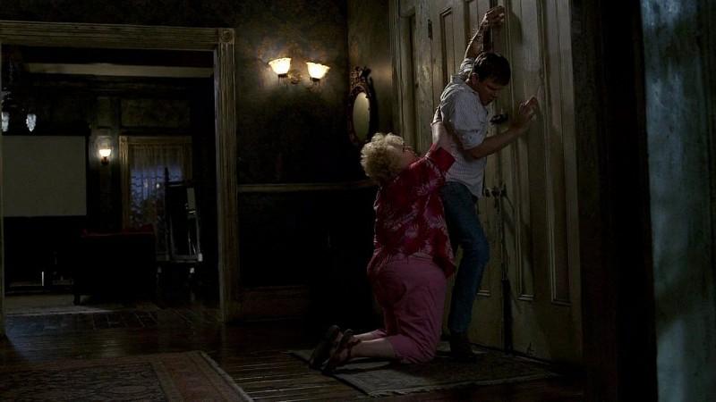 Dale Raoul e Jim Parrack in una scena dell'episodio 'New World In My View' della serie True Blood