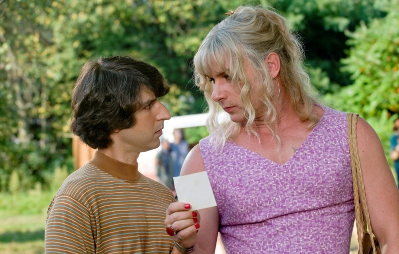 Demetri Martin e Liev Schreiber in un'immagine del film Taking Woodstock