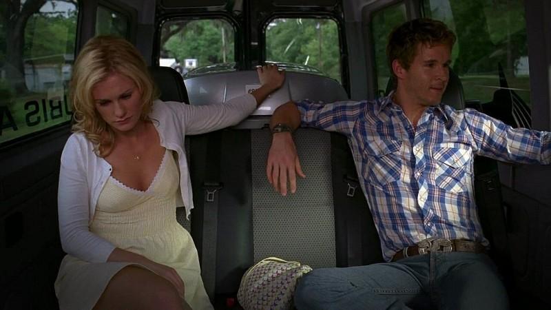 I fratelli Stackhouse, Sookie (Anna Paquin) e Jason (Ryan Kwanten) fanno ritorno a Bon Temps in una scena dell'episodio 'New World In My View' della serie True Blood