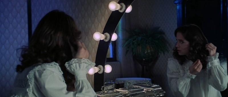 Jessica Harper in una celebre sequenza del film Suspiria (1977)
