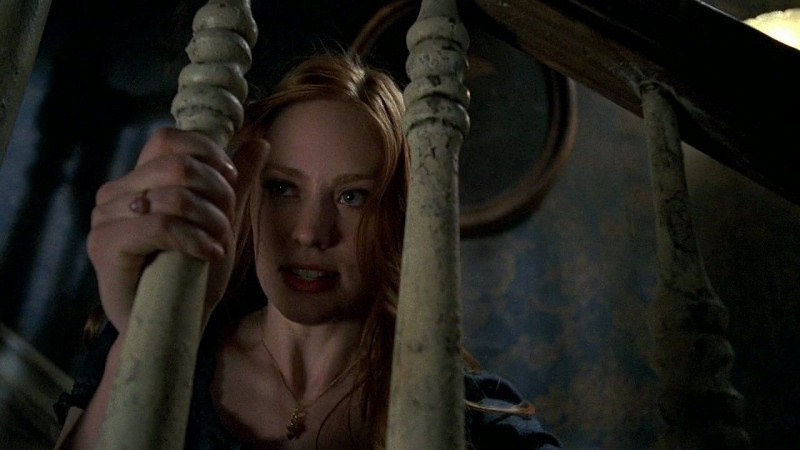 La vampira Jessica (Deborah Ann Woll) ne ha abbastanza di sua suocera in una scena dell'episodio 'New World In My View' della serie True Blood