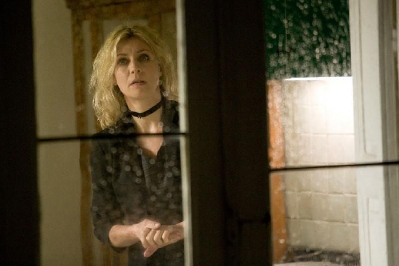 Margherita Buy in una scena del film Lo spazio bianco di Francesca Comencini
