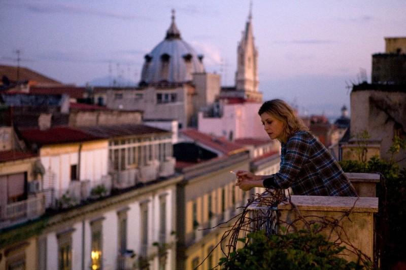Margherita Buy in una sequenza del film Lo spazio bianco di Francesca Comencini