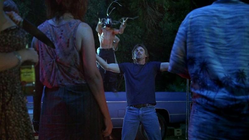 Sam Merlotte (Sam Trammell) chiede al 'Dio' Jason (Ryan Kwanten) di essere punito in una scena dell'episodio 'New World In My View' della serie True Blood