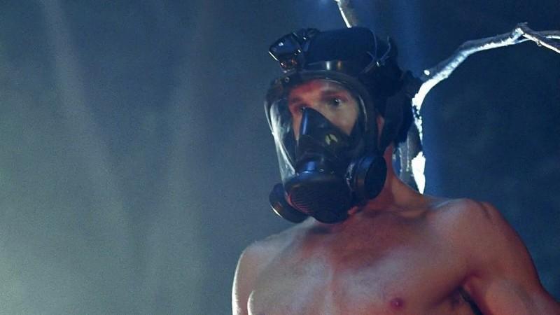 Un eccezionale Jason Stackhouse (Ryan Kwanten) in una scena dell'episodio 'New World In My View' della serie True Blood