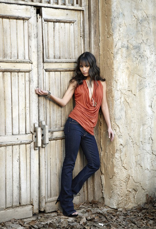 Un'immagine promo di Jordana Brewster per il film 'Fast and Furious - Solo parti originali'