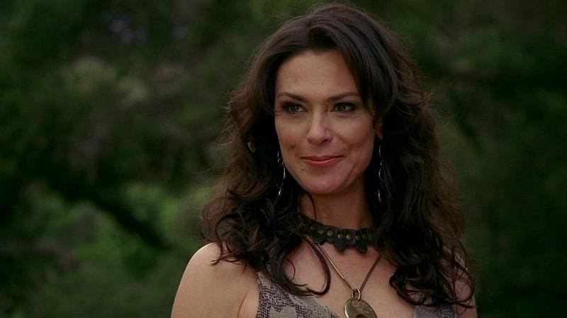 Un primo piano della diabolica Maryann (Michelle Forbes) in una scena dell'episodio 'New World In My View' della serie True Blood