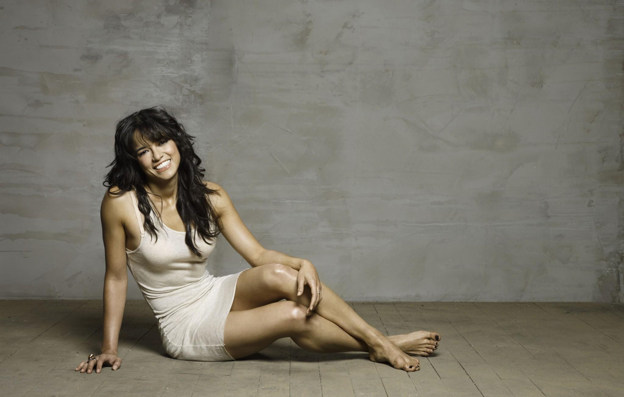 Un wallpaper dell'attrice Michelle Rodriguez per il film 'Fast and Furious - Solo parti originali'