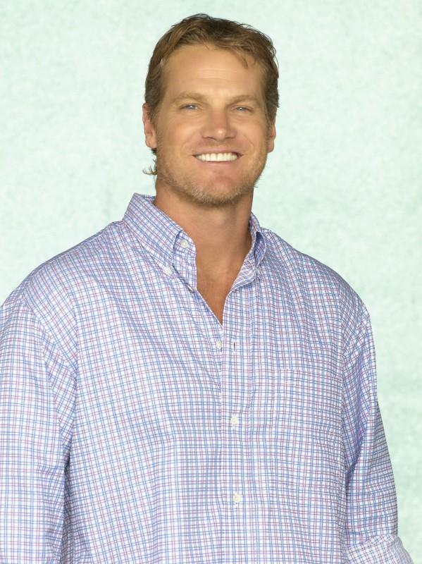 Brian Van Holt in una foto promozionale della serie TV Cougar Town