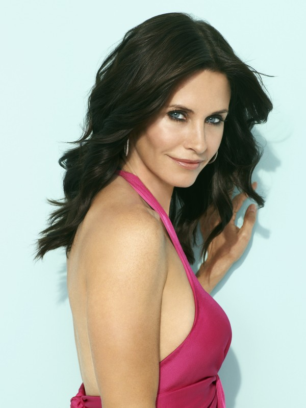 Courteney Cox in una foto promozionale della serie TV Cougar Town