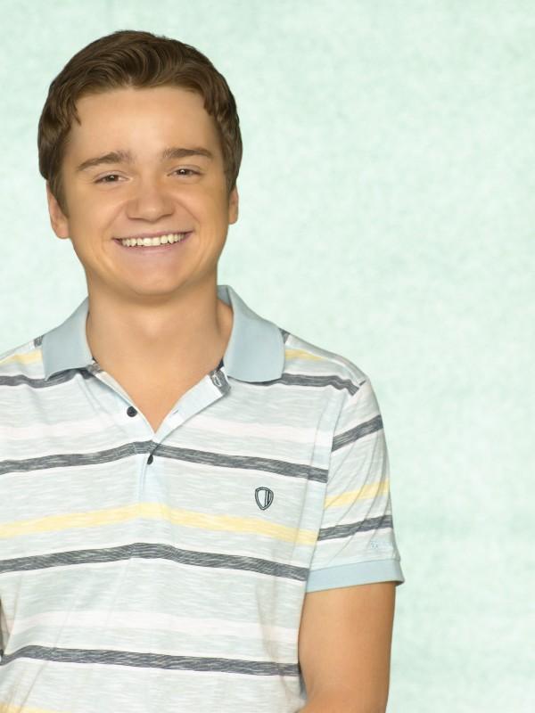 Dan Byrd in una foto promozionale della serie TV Cougar Town