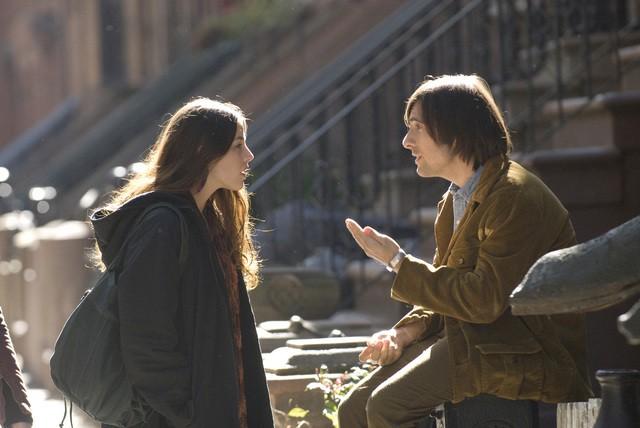 Olivia Thirlby e Jason Schwartzman in una scena della nuova serie HBO Bored to Death