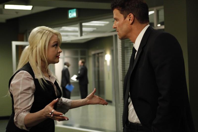 Cyndi Lauper e David Boreanaz nella premiere della stagione 5 di Bones