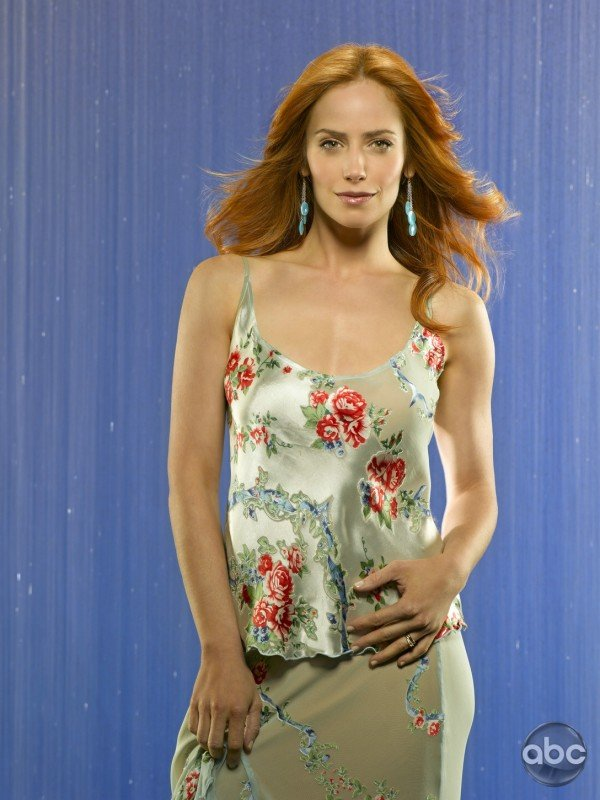 Jaime Ray Newman nella serie televisiva Eastwick