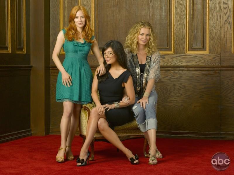 Lindsay Price, Rebecca Romijn e Jaime Ray Newman sono le star di Eastwick
