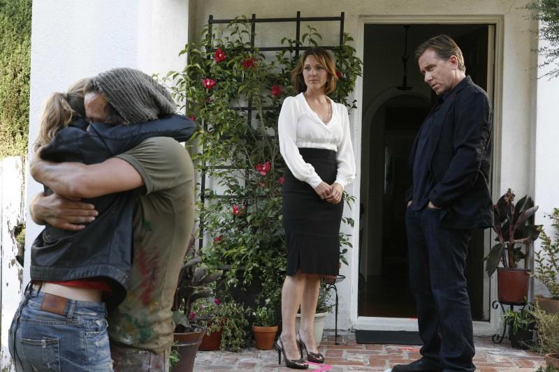 Tim Roth e Kelli Williams in una scena dell'episodio The Core of It di Lie to Me