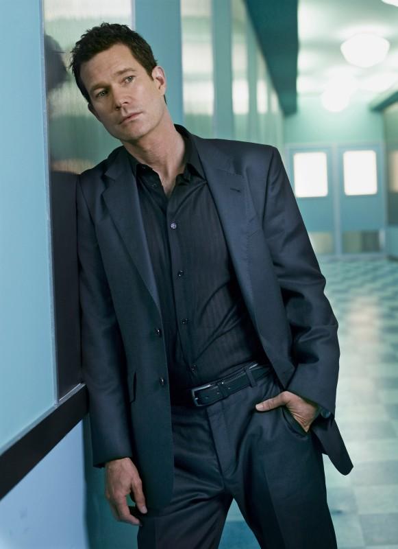Dylan Walsh in un'immagine promozionale della stagione 6 di Nip/Tuck