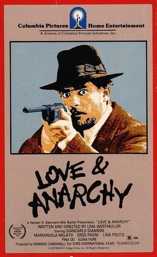 La locandina di Film d'amore e d'anarchia, ovvero stamattina alle 10 in via dei Fiori nella nota casa di tolleranza
