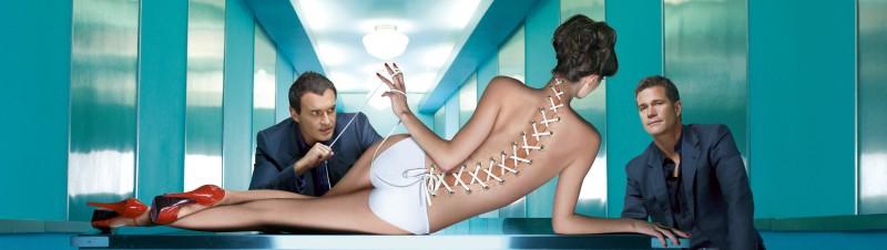 Un'immagine promo con sviluppo orizzontale della stagione 6 di Nip/Tuck