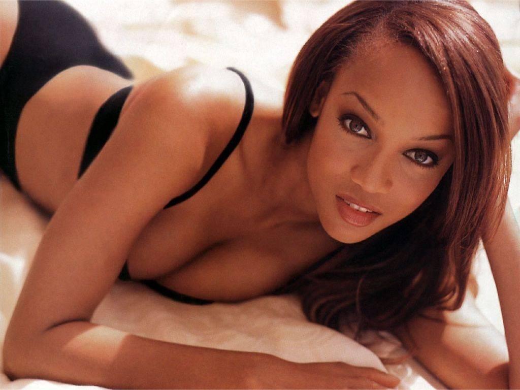 Un wallpaper sexy della modella Tyra Banks