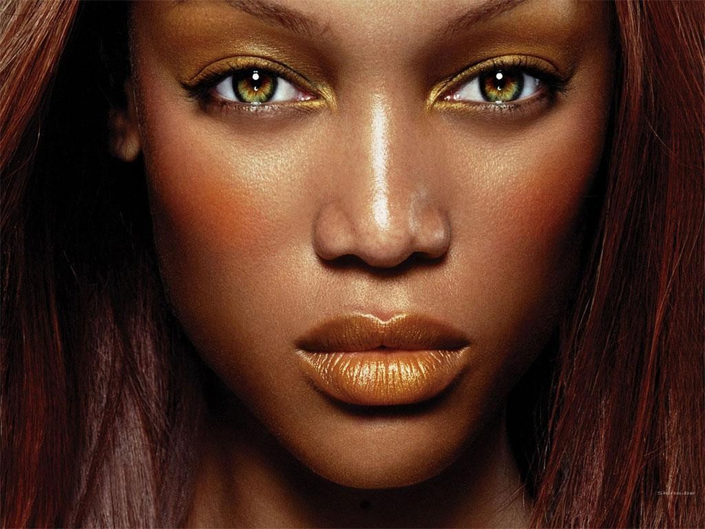 Wallpaper: un primissimo piano di Tyra Banks