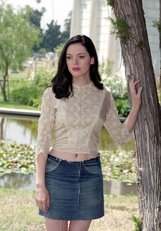 Rose McGowan è Paige Matthews nella prima puntata della quarta stagione di Streghe