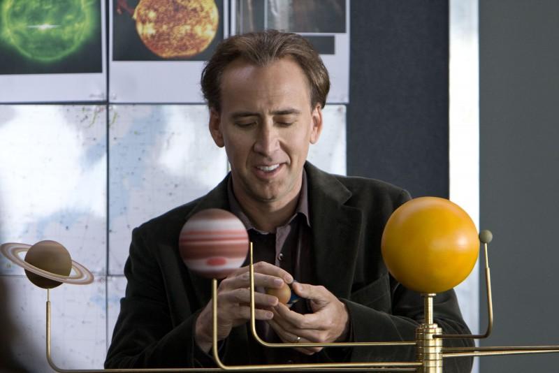 Nicolas Cage è John Koestler nel film Segnali dal futuro