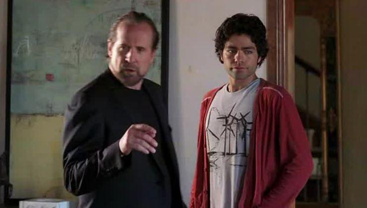 Peter Stormare e Adrian Grenier in una scena dell'episodio 'The Sorkin Notes della sesta stagione di Entourage