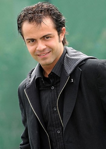 Un'immagine dell'attore e sceneggiatore Andrea De Rosa