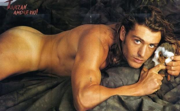 Una foto di Rossano Rubicondi nudo apparsa sul magazine gay 'Adam' negli anni '90