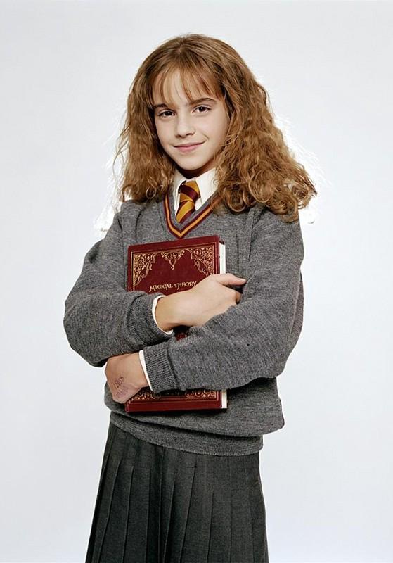 Una foto promo di Hermione Granger (Emma Watson) per il film Harry Potter e la Pietra Filosofale