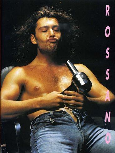 Una immagine 'calda' di Rossano Rubicondi apparsa sul magazine gay 'Adam'