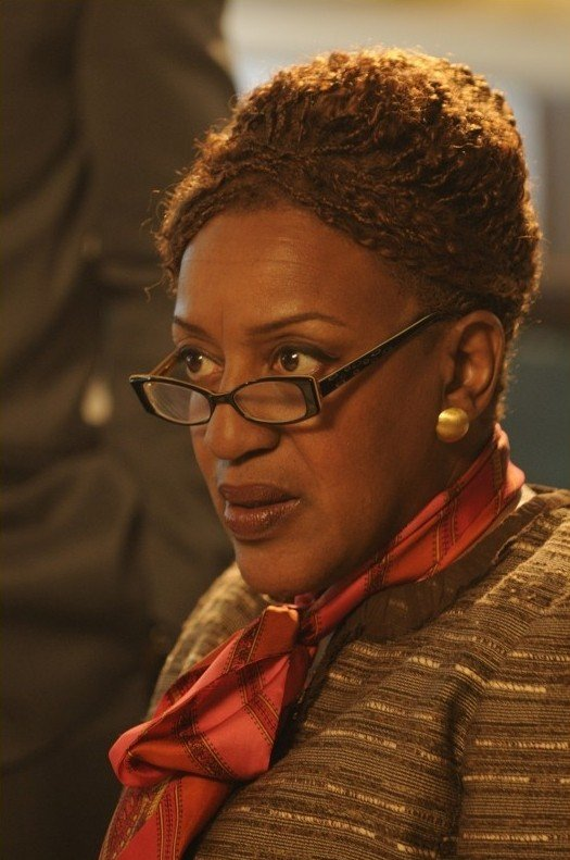 CCH Pounder in una scena dell'episodio Breakdown di Warehouse 13
