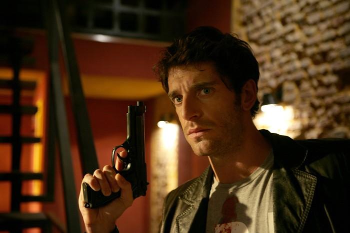 Giampaolo Morelli in una scena de l'Ispettore Coliandro