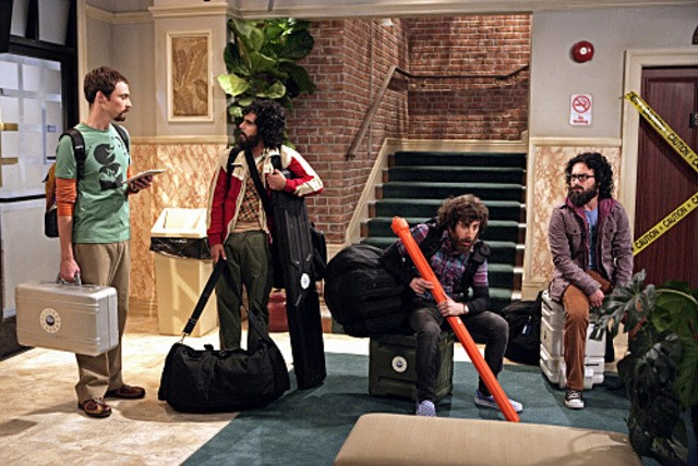 I quattro amici di ritorno dal Polo Nord nell'episodio The Electric Can Opener Fluctuation di  The Big Bang Theory