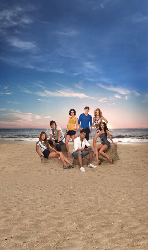 Il cast della stagione 2 di 90210 in una foto promozionale
