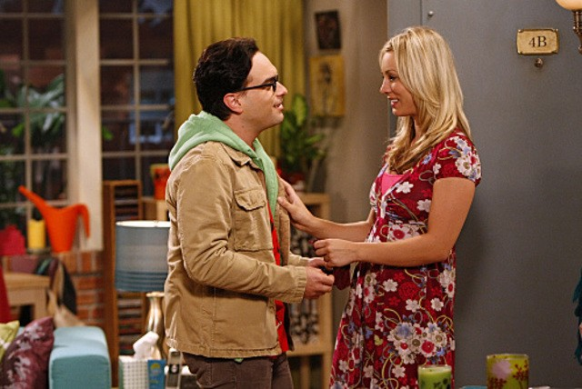 Johnny Galecki e Kaley Cuoco nell'episodio The Electric Can Opener Fluctuation di  The Big Bang Theory